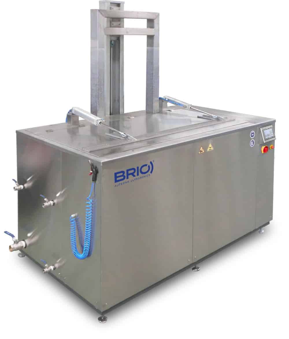 BRIO automatic ultrasonic cleaning machine for naval parts cleaning. 2000 liters.