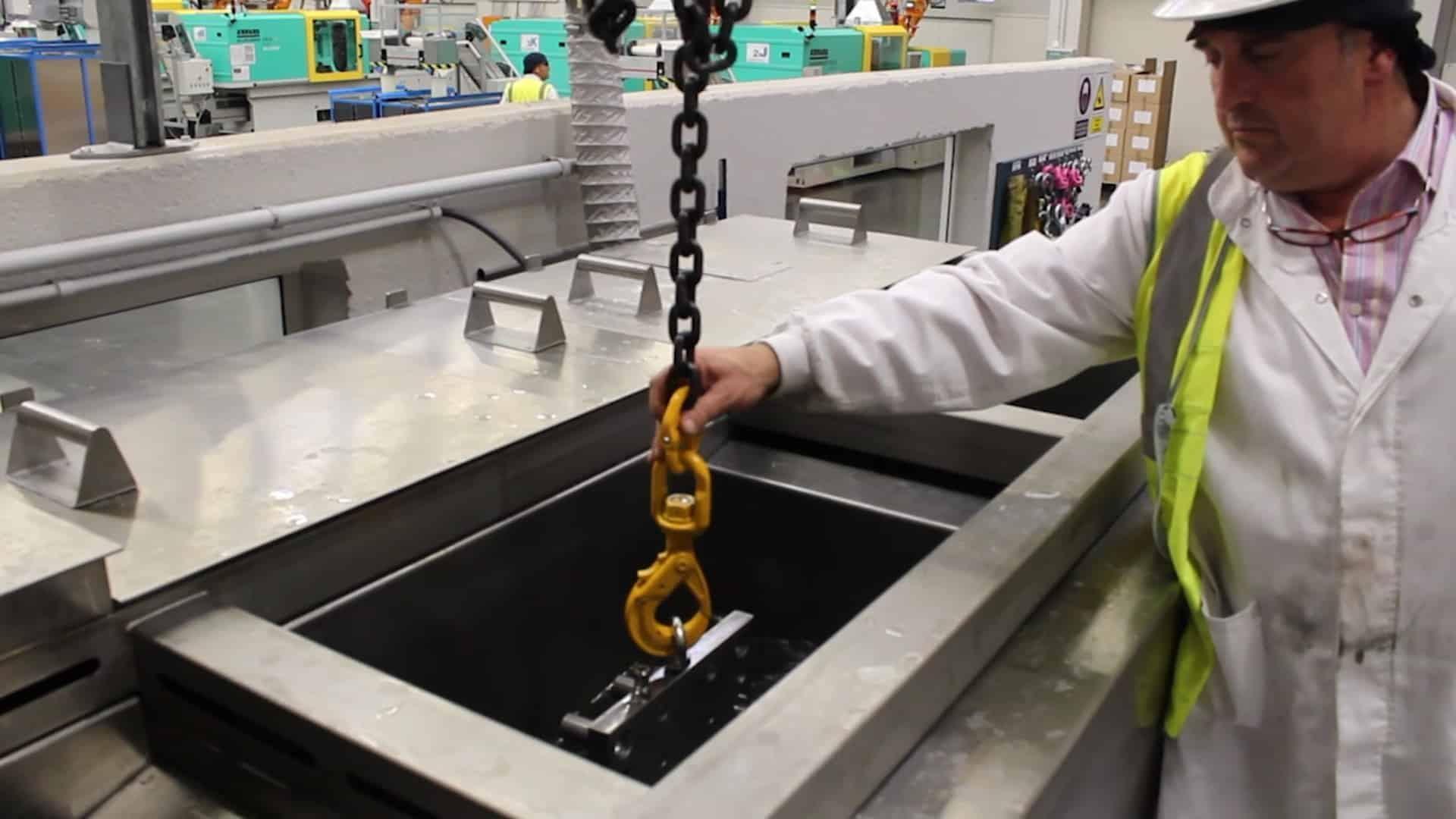 equipo-a-medida-limpieza-moldes.-ultrasonidos-brio