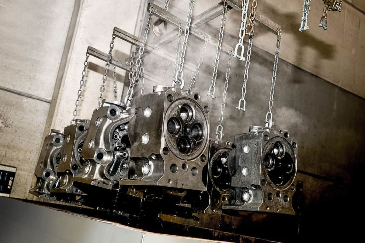BRIO-Ultrasonics-industrial-engine-cleaning-process